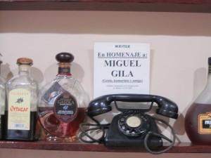 El teléfono original de Gila, regalo a la familia del Maitea