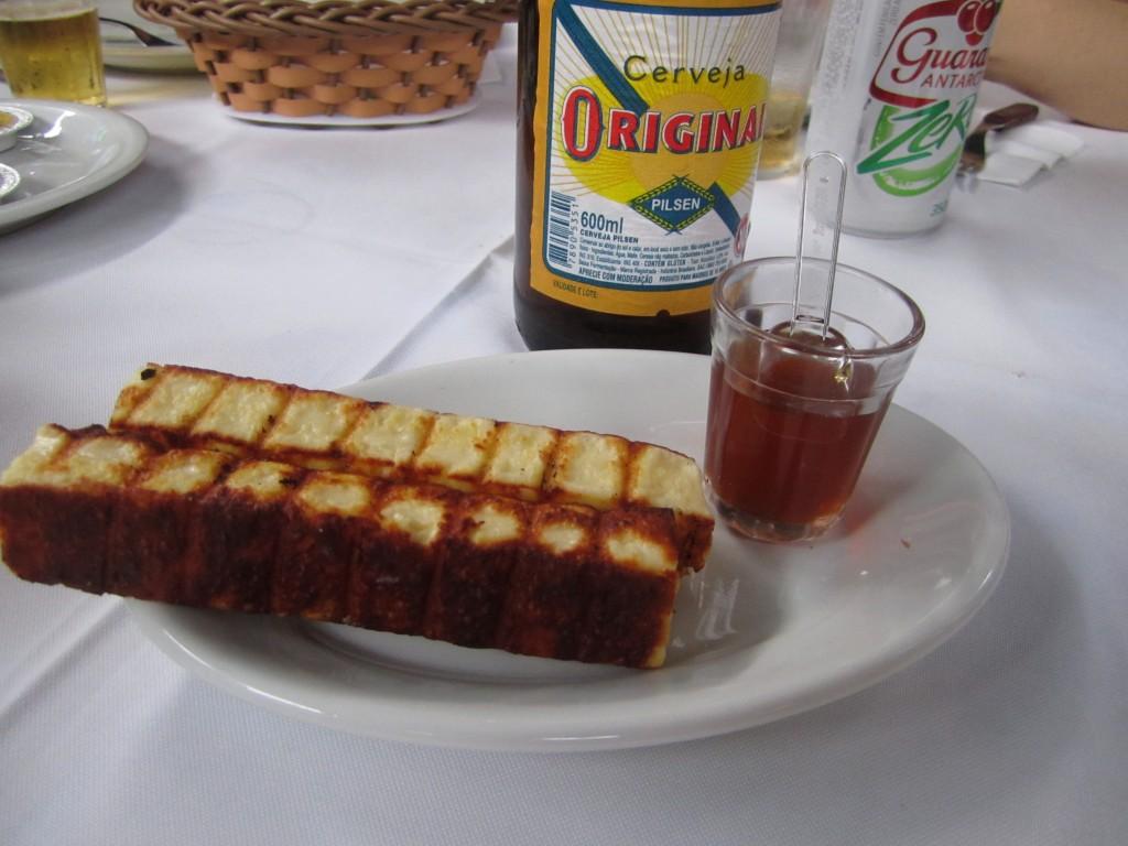Queijo Coalho con miel. Jacaré Grill. Foto: Raúl Casañas